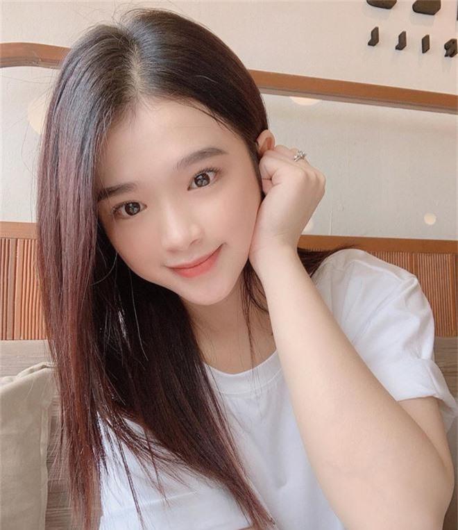 Linh Ka không hổ danh là hot girl Hà Thành, nhan sắc tuổi 17 thăng hạng điên đảo đến nỗi... thở cũng đẹp hết phẫn người khác  - Ảnh 3.
