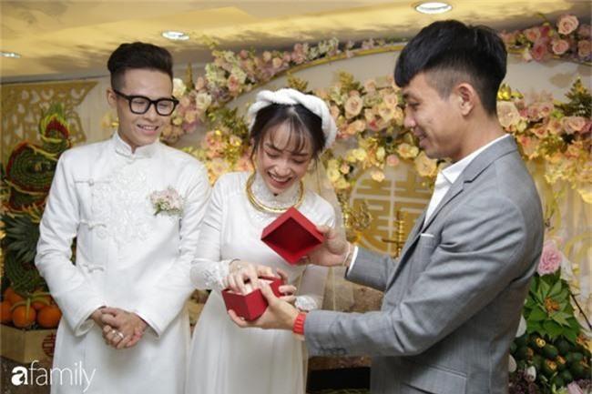 """Con gái Minh Nhựa bất ngờ chia sẻ về mẹ chồng ngày đầu làm dâu, úp mở khi được hỏi """"Có phải cưới chạy bầu?"""" - Ảnh 1."""