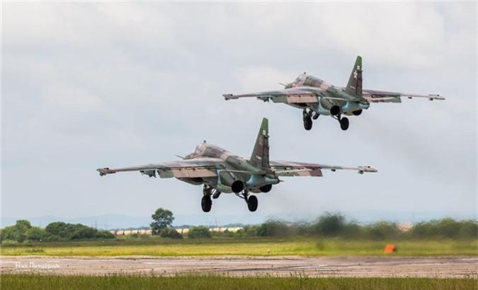 Cuong kich Su-25 roi tan tanh khien Nga dau dau tim nguyen nhan-Hinh-10