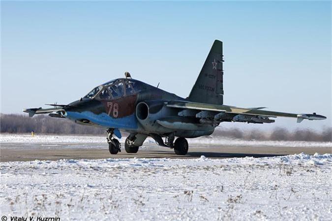 Cuong kich Su-25 roi tan tanh khien Nga dau dau tim nguyen nhan-Hinh-2