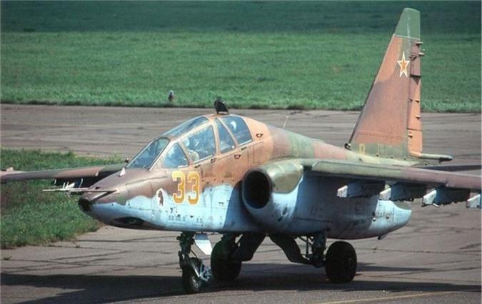 Cuong kich Su-25 roi tan tanh khien Nga dau dau tim nguyen nhan-Hinh-4