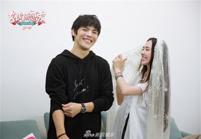 Đám cưới đột ngột nhất Cbiz: Tình cũ Seungri và cháu nội trùm xã hội đen Hong Kong bí mật tổ chức hôn lễ tại Ý - Ảnh 10.
