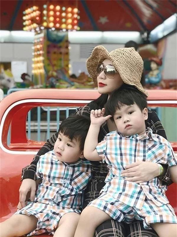 Diva Hồng Nhung và nhiều sao Việt nào có con sinh đôi - Ảnh 6.