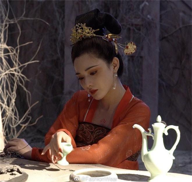Gà cưng của Phạm Băng Băng - Bành Tiểu Nhiễm được khen vì màn hoá thân Yêu Miêu không thua đàn chị! - Ảnh 3.
