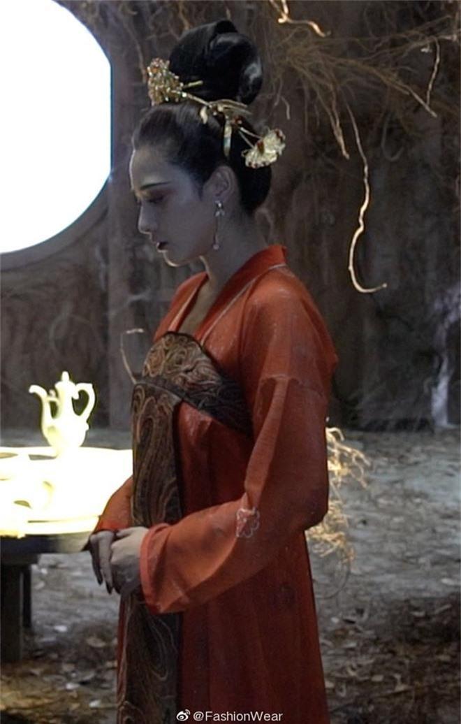 Gà cưng của Phạm Băng Băng - Bành Tiểu Nhiễm được khen vì màn hoá thân Yêu Miêu không thua đàn chị! - Ảnh 5.
