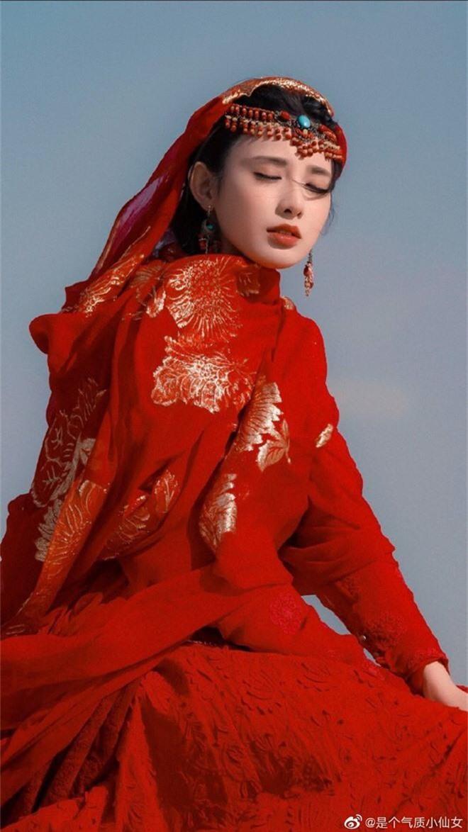 Gà cưng của Phạm Băng Băng - Bành Tiểu Nhiễm được khen vì màn hoá thân Yêu Miêu không thua đàn chị! - Ảnh 6.