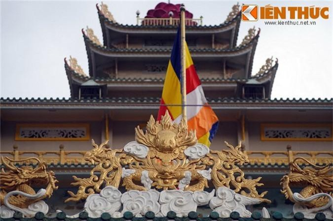 "Kham pha ngoi chua ""cao oc"" doc nhat vo nhi Viet Nam-Hinh-6"