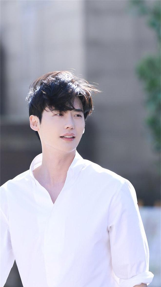 Trường đại học hot hit xứ Hàn hội tụ toàn idol, diễn viên hạng A: Mỹ nam BTS quá đỉnh, Lee Min Ho và Changmin cùng ngành - Ảnh 8.