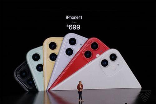 iPhone 11 (bản nâng cấp của iPhone XR) có giá bán khởi điểm chỉ 699 USD.