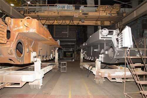 Truyền thông Mỹ vừa đăng tải chùm ảnh về dây chuyền nâng cấp xe tăng chiến đấu chủ lực M1 Abrams đặt tại Trung tâm sản xuất Hệ thống kết hợp (nhà máy Lima), bang Ohio.