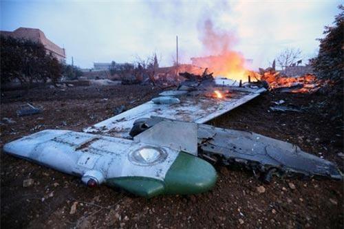 Chiều ngày 3/9 theo giờ địa phương, một máy bay cường kích Su-25 phiên bản Su-25UB của Nga đã rơi gần tỉnh Stavropol. Vụ tai nạn được xác định đã xảy ra khi chiếc Su-25UB này bay diễn tập thông thường. Nguồn ảnh: Flickr.