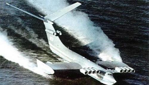 Mẫu Ekranoplan thử nghiệm có mã KM của Hải quân Liên Xô. Ảnh: Sputnik.