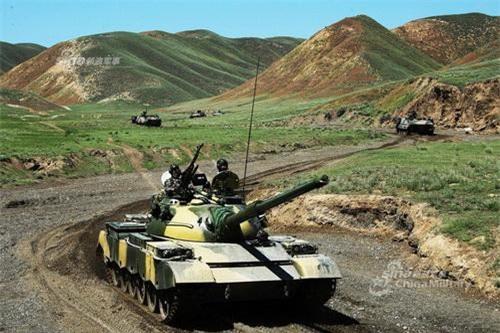 Trung Quốc còn rất nhiều việc phải làm để hiện đại hóa lực lượng tăng thiết giáp. Ảnh: China Military.