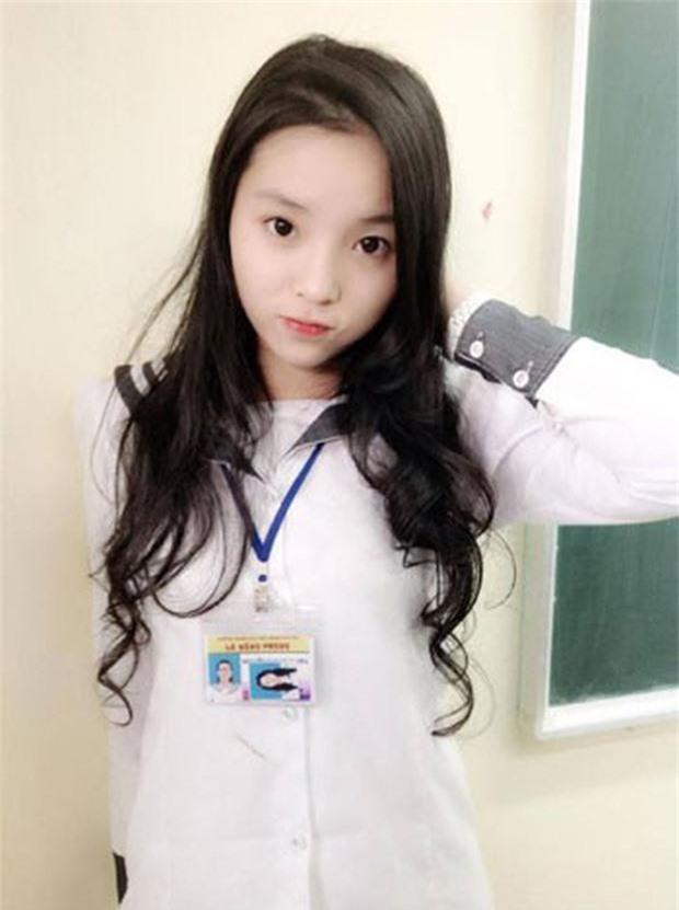 Ngắm loạt ảnh ngố tàu của sao Việt thời đi học: Ai cũng dậy thì thành công, thậm chí dính nghi án phẫu thuật thẩm mỹ - Ảnh 13.