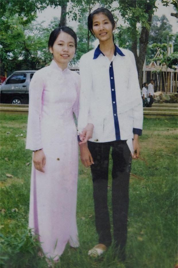 Ngắm loạt ảnh ngố tàu của sao Việt thời đi học: Ai cũng dậy thì thành công, thậm chí dính nghi án phẫu thuật thẩm mỹ - Ảnh 3.