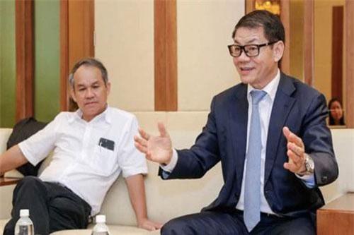 Chủ tịch HNG Đoàn Nguyên Đức và Chủ tịch Thaco Trần Bá Dương.