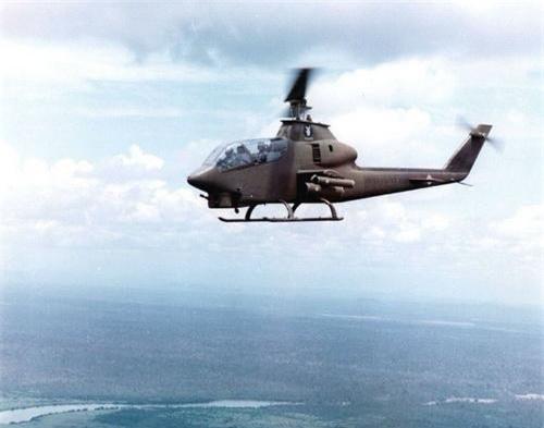 Trực thăng vũ trang AH-1G Cobra của Mỹ trên chiến trường Việt Nam. Ảnh: War History Online.