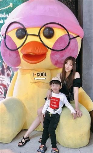 Chong Thu Thuy the nao sao on ao bao hanh con rieng cua vo?-Hinh-7