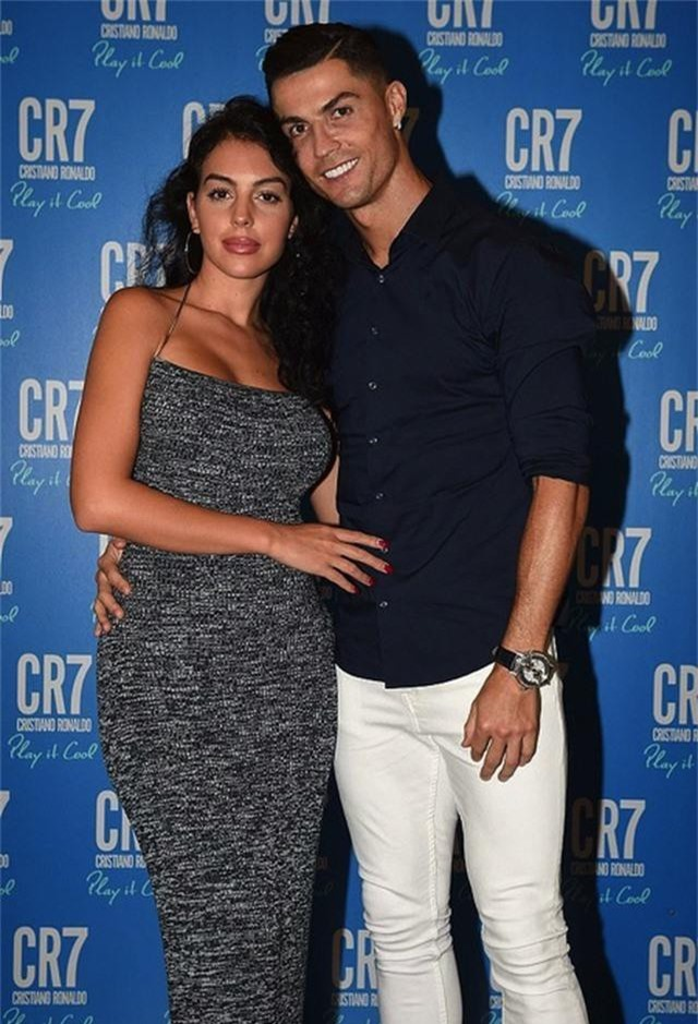 """Georgina Rodríguez gây """"bão"""" khi xuất hiện đẹp rạng ngời bên C.Ronaldo - 2"""