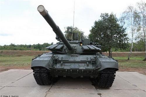 Xe tăng chiến đấu chủ lực T-72B3M hay còn được gọi là T-72B4. Ảnh: Vitaly V. Kuzmin.