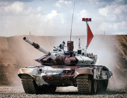 Xe tăng chiến đấu chủ lực T-72B3M của Nga tại giải đấu Tank Biathlon. Ảnh: TASS.