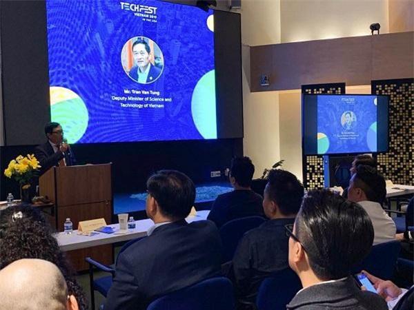 Thứ trưởng Bộ KH&CN Trần Văn Tùng phát biểu tại sự kiện,  khẳng định mong muốn năng cao chất lượng startup Việt xứng tầm chuẩn quốc tế