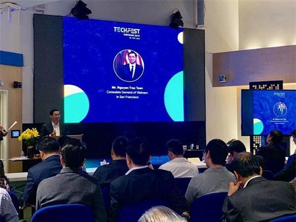 Tổng Lãnh sự Việt Nam tại San Francisco Nguyễn Trác Toàn ấn tượng với startup Việt tại Silicon Valley