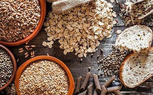 Ngũ cốc nguyên hạt: Bạn nên chọn thực phẩm giàu chất xơ như các loại ngũ cốc nguyên hạt thay vì các loại thực phẩm tinh chế giàu carbohydrate như bánh mì trắng để giảm sức ép nên phổi.