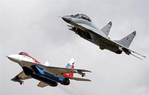 """Theo các nguồn tin Nga, sau khi kết thúc sự kiện triển lãm MAKS-2019 ở Moscow, Algeria đã đặt bút ký hợp đồng mua 14-16 máy bay tiêm kích MiG-29M/M2 do Tổng Công ty máy bay """"MiG"""" phát triển. Ảnh: Airliners.net"""