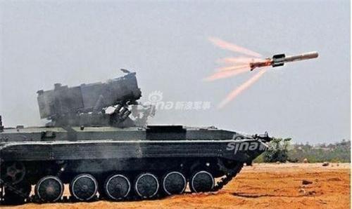 Tổ hợp tên lửa chống tăng tự hành Namica do Ấn Độ chế tạo. Ảnh: Sina.