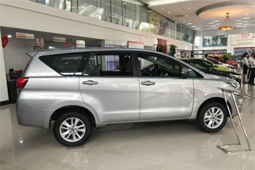 4. Toyota Innova (doanh số: 79.889 chiếc).