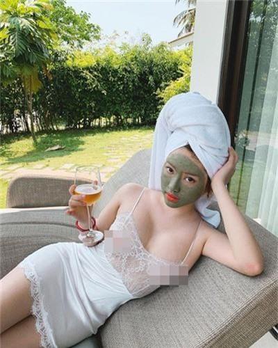 Dan hot girl thi phi di du lich, bat ngo bi CDM boc phot vi diem nay-Hinh-3