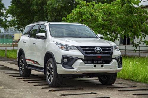 Toyota Fortuner TRD.