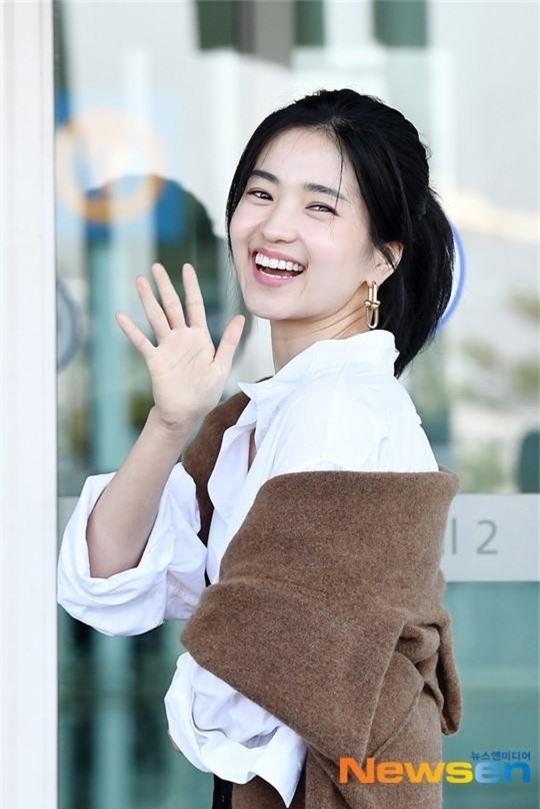 Dàn mỹ nhân Hàn gây bão sân bay: Jisoo lấn át Hoa hậu Hàn đẹp nhất thế giới, diễn viên vô danh gây chú ý vì quá xinh - Ảnh 11.