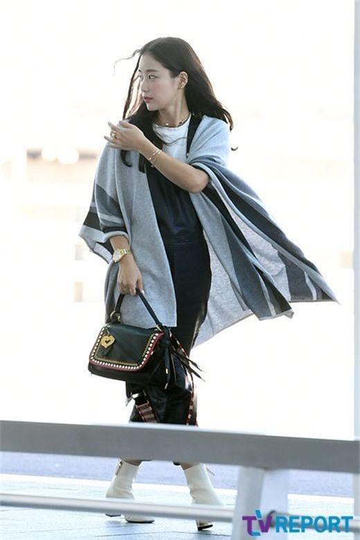 Dàn mỹ nhân Hàn gây bão sân bay: Jisoo lấn át Hoa hậu Hàn đẹp nhất thế giới, diễn viên vô danh gây chú ý vì quá xinh - Ảnh 13.