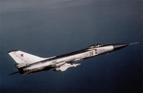 Một chiếc Su-15 Flagon làm nhiệm vụ tuần tra không phận. Ảnh: Wikipedia.