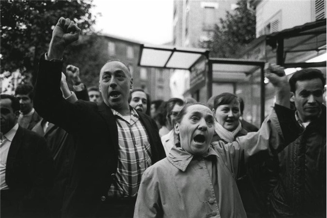 Công nhân và sinh viên Pháp tham gia cuộc biểu tình, đình công ở nhà máy Renault ngày 17/5/1968.
