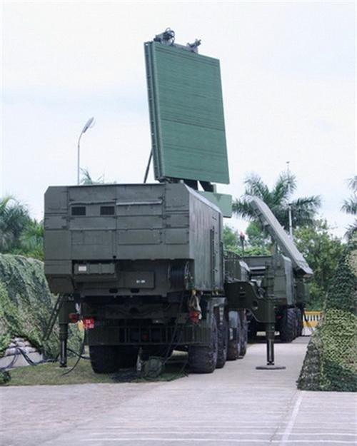 Đài radar cảnh giới nhìn vòng 96L6E của tổ hợp S-300PMU-1 Việt Nam. Ảnh: Quân đội nhân dân.
