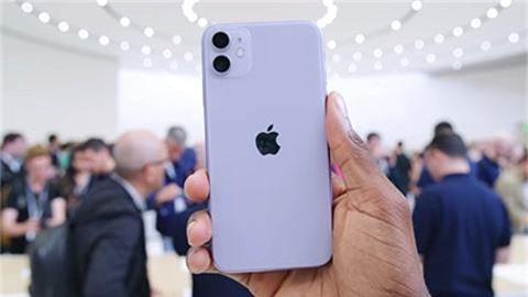 """iPhone 11 có thời lượng pin """"cực đỉnh""""?"""