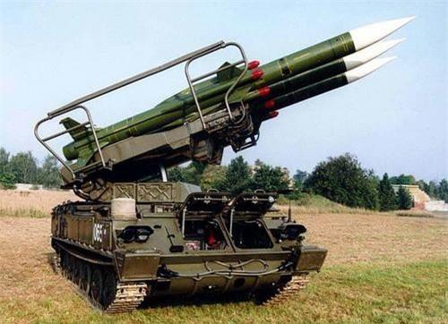 Xe mang phóng tự hành của tổ hợp tên lửa phòng không SA-6. Ảnh: Wikipedia.