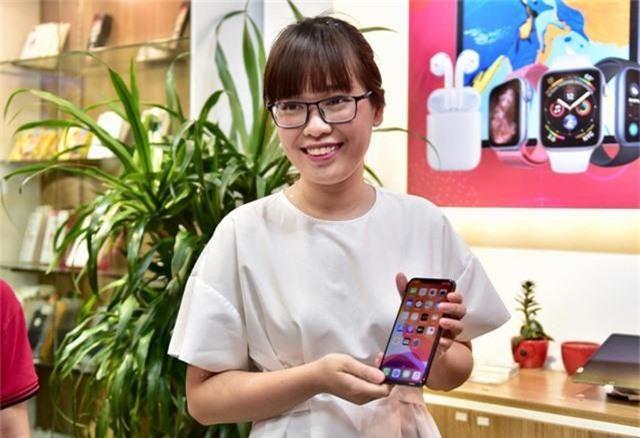 IPhone 11 xách tay đã cập bến Hà Nội, giá trên 40 triệu đồng - 1