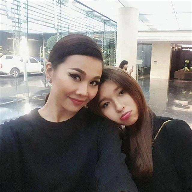 Không chỉ Hoàng Thùy Linh, hoa hậu, MC VTV cũng bị nghi yêu đồng giới - Ảnh 10.