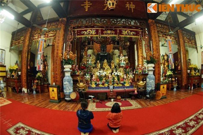 Can canh pho tuong Phat khong lo dac biet nhat Ha Noi-Hinh-2