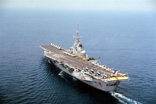 Tàu sân bay Clemenceau khi còn phục vụ trong biên chế Hải quân Pháp. Ảnh: Wikipedia.