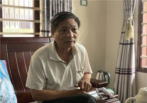 Ông Tuấn - người đem những con bò sữa đầu tiên về nuôi tại xã Vĩnh Thịnh