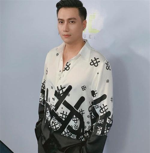 Hình ảnh mới nhất của Việt Anh được nam diễn viên đăng tải lên trang cá nhân.