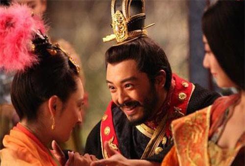 Chu Ôn được mệnh danh là hoàng đế hiếu chiến, tàn bạo, thậm chí là ông hoàng đa dâm bậc nhất Trung Quốc.