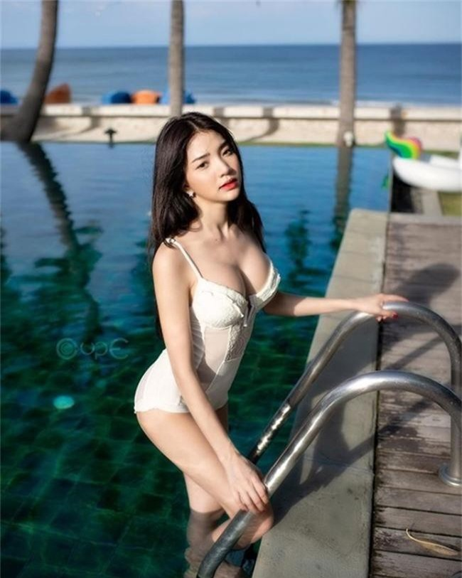 "dung mao ngam la yeu cua 2 hot girl ""cau lac bo con gai dep nhat thai lan"" hinh anh 13"