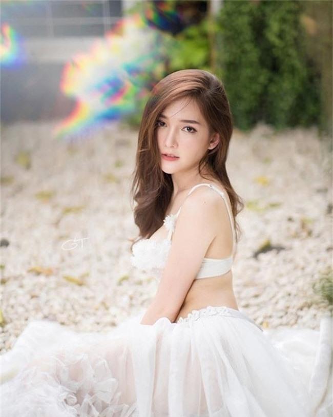 "dung mao ngam la yeu cua 2 hot girl ""cau lac bo con gai dep nhat thai lan"" hinh anh 8"