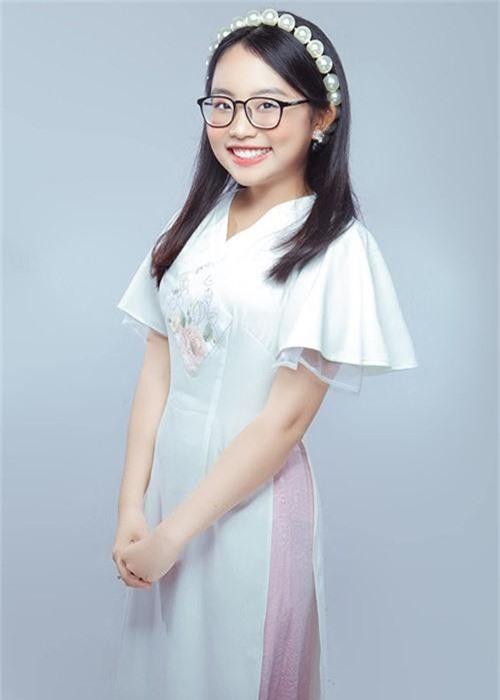 O tuoi 16, Phuong My Chi kiem tien khung, day thi thanh cong-Hinh-15